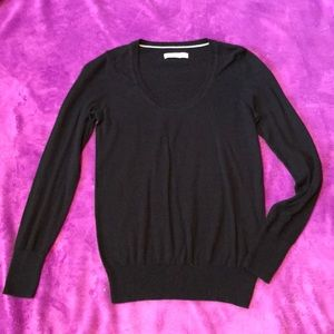 Thin black Old Navy Sweater